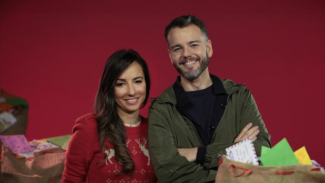 """Laia Servera, editora i presentadora del programa """"Info K"""", l'informatiu del canal Super3, i Manu Alonso, redactor i guionista de TV3"""