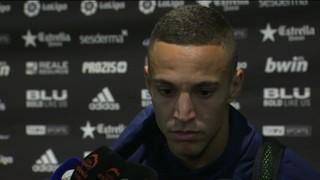 """Rodrigo: """"Crec que el gol ha estat clar, però són coses que de vegades te les donen i de vegades te les treuen"""""""