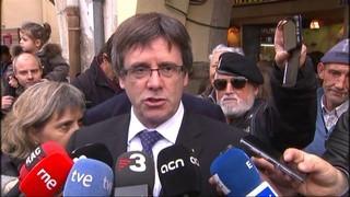 Puigdemont participa a la concentració d'Amer en contra de la judicialització de la política