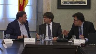 Acte de la signatura d'un nou conveni entre les quatre diputacions catalanes i la Generalitat