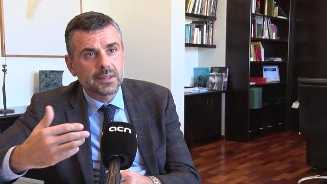 """Santi Vila demana donar """"una última oportunitat al diàleg"""" abans d'una DUI"""
