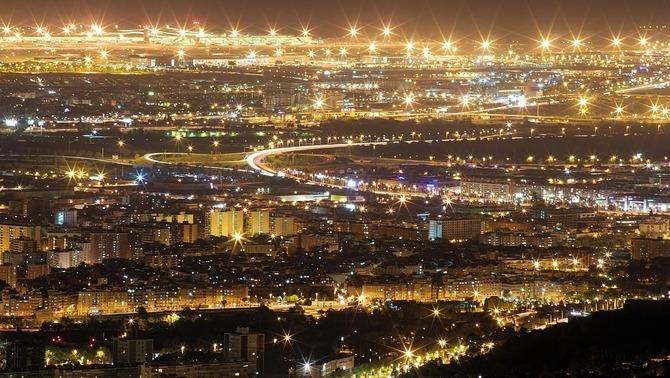 A la nit, al centre de Barcelona hi pot haver fins a set graus més que a la perifèria