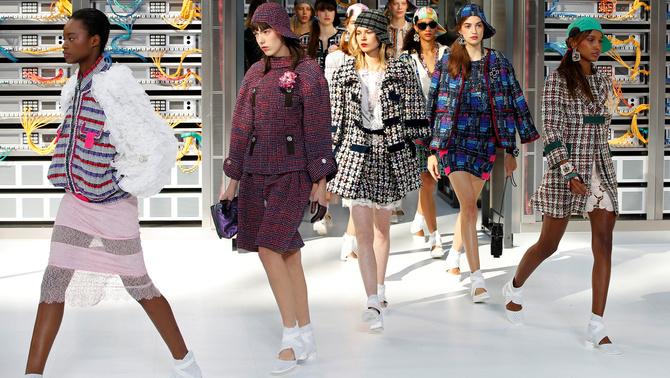 Inspiració tecnològica per a la primavera-estiu 2017 de Chanel