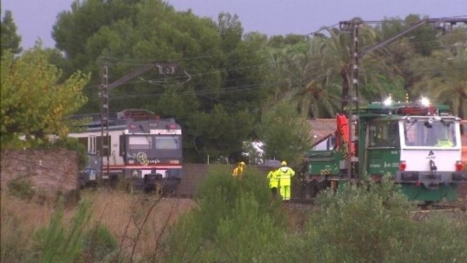 Matí de trens interromputs a l'R16 i queixes dels usuaris