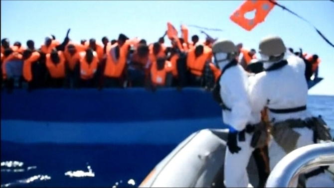 Una fragata espanyola rescata 430 immigrants davant de Líbia