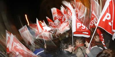 "Zapatero celebra la victòria que obre una ""etapa sense crispació"""