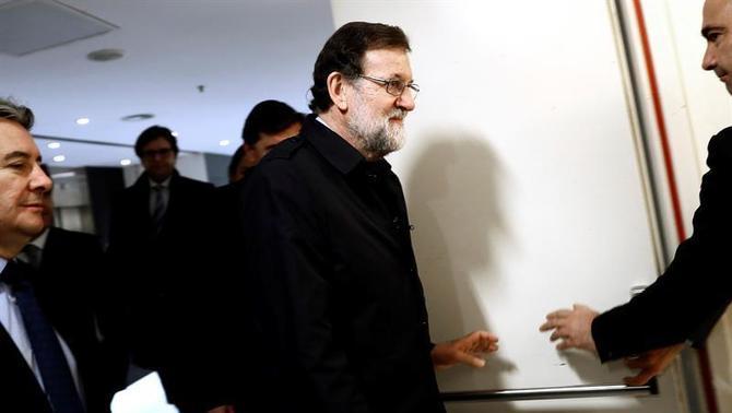 Rajoy suspèn el seu viatge a Angola per seguir la situació política a Catalunya