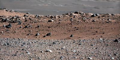 """El """"Curiosity"""" estudiarà a Mart partícules brillants que podrien provenir de la mà de l'home"""