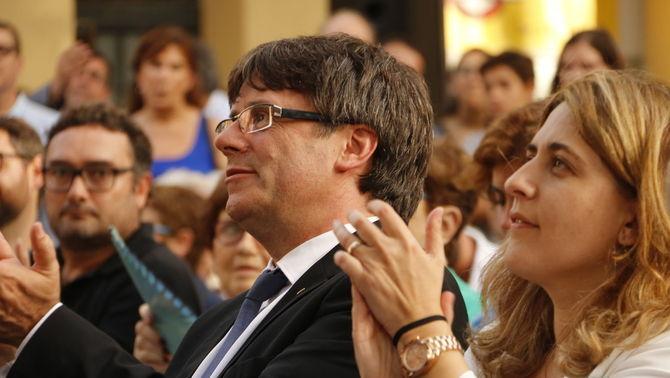 El president Carles Puigdemont i Marta Pascal en una imatge d'arxiu (ACN)