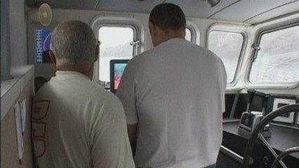 Interceptats dos vaixells catalans que buscaven tresors a la costa