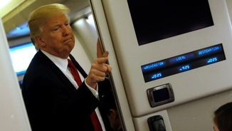 Trump a l'Air Force One, aquest dimecres (Reuters)