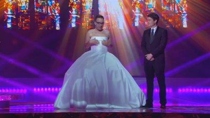 Àngel Llàcer es vesteix de casament a la gala dels Gaudí