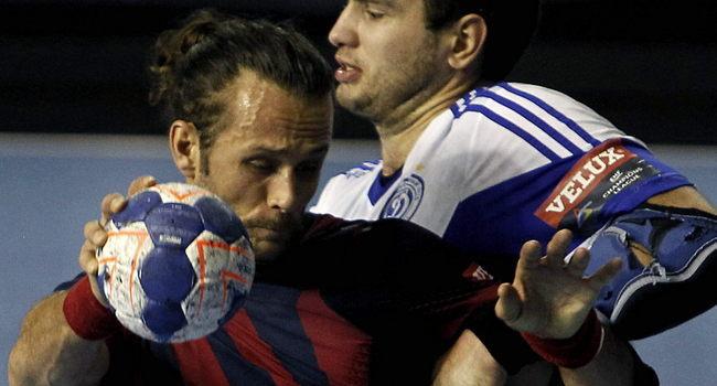 El Barça d'handbol derrota el Bidasoa (47-28) en partit avançat de l'Asobal