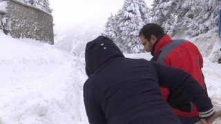 La forta nevada a la Cerdanya i al Ripollès encara provoca alguns perjudicis
