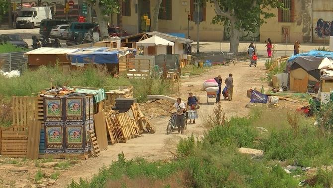 Creixen els assentaments de famílies sense sostre a Barcelona