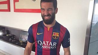 Turan amb la samarreta del Barça (Foto: Instagram).