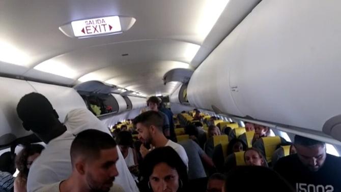 Els passatgers que van aturar un vol a Dakar veuen exagerada la reacció de Vueling
