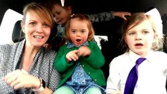Una de les 50 mares amb els seus fills amb la síndrome de Down