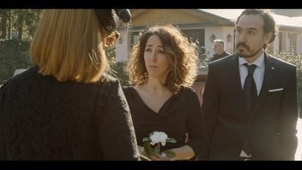 Benvinguts a la família - El funeral (capítol 12)