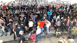 """Sallas [Intersindical-CSC]: """"Si no saben comptar manifestacions, no podran saber comptar vagues"""""""