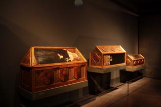 Tres de les peces del Museu de Lleida que formen part de les 44 que un jutge d'Osca ha ordenat que es traslladin a Sixena (ACN)