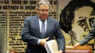 Juan Ignacio Zoido diu que Puigdemont podria entrar amb un helicòpter, un ultralleuger o un vaixell (ACN)