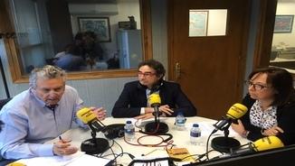Aué en collòqui auem parlat de pensions damb Carlos Vilches, Josep Ramon Puyol e Pilar Pamplona