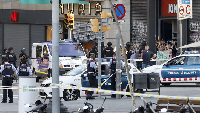 Desplegament policial a la Rambla de Barcelona després de l'atemptat (EFE)