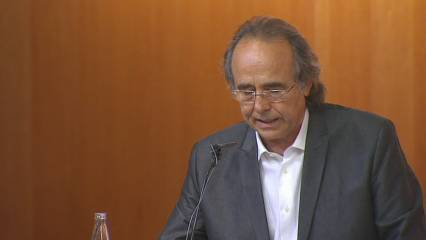 "Serrat ""honoris causa"""