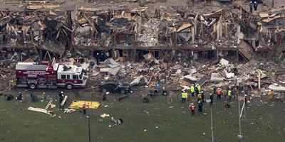 Almenys 35 morts en l'explosió en una planta de fertilitzants de Texas