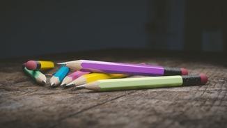 educació llapis colors
