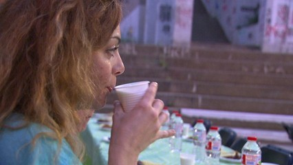 Celebren Iftars -el sopar que trenca el dejuni- oberts a no musulmans de Badalona