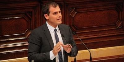 El Parlament rebutja que el català i el castellà siguin llengües vehiculars iguals en l'ensenyament