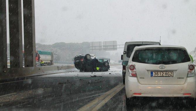 Accident a l'A-2 a Caldes de Malavella (Marc Sánchez)