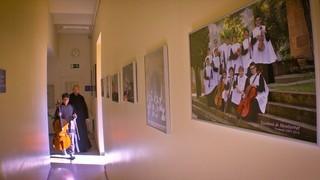 L'escolania de Montserrat té un nen estranger per primera vegada