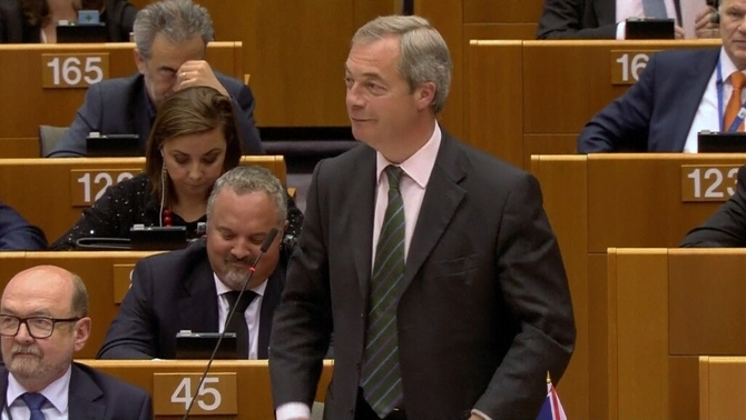 Nigel Farage, un dels principals promotors del Brexit, admet un possible segon referèndum