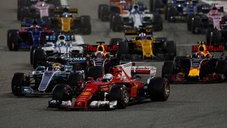 Vettel supera Hamilton