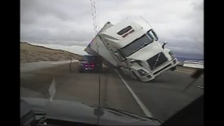 Accident provocat pel vent a Wyoming