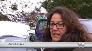 La neu complica la mobilitat a Vallvidrera i les Planes