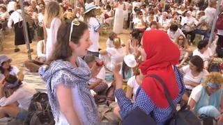 Dones israelianes i palestines fan una marxa per la pau