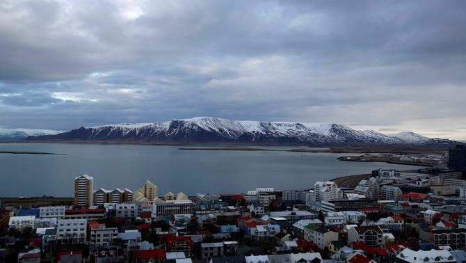 Islàndia obligarà les empreses a demostrar que homes i dones cobren el mateix
