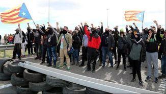 """""""La tertúlia"""": Els mitjans públics i la violència, el nou relat per ampliar l'aplicació del 155"""