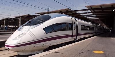 Els trens d'alta velocitat Barcelona-París s'estrenaran el 28 d'abril