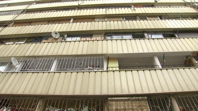 Continua la tensió pels pisos ocupats al barri de la Mina