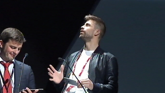 "Gerard Piqué presenta el seu videojoc ""Final Kick"" al Mobile World Congress (MWC)"
