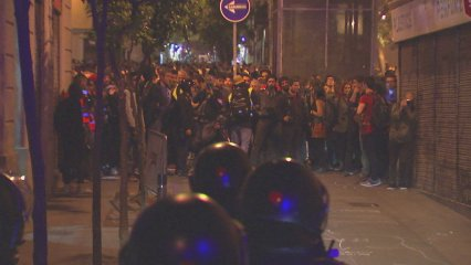 Tercera nit d'aldarulls a Gràcia