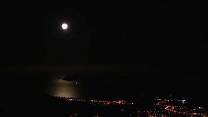 Posta de lluna a Vigo