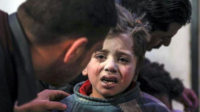 El règim d'Al-Assad s'acarnissa en la zona rebel i mata més de 300 civils en 3 dies