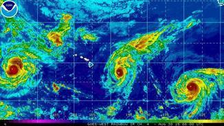 "Els huracans ""Kilo"", ""Ignacio"" i ""Jimena"" (NOAA)"