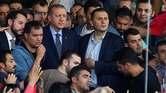 Recep Tayyip Erdogan a l'arribada a l'aeroport Atatürk aquest matí (Reuters)